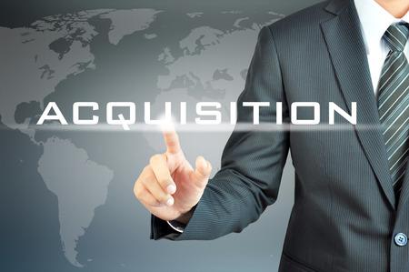 ビジネス抽象仮想画面に取得単語に触れるビジネスマンの手