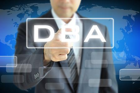 administracion empresarial: DBA o Doctor signo Administraci�n de Empresas en la pantalla virtual - Concepto de educaci�n