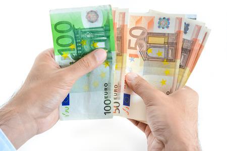 Mains d'affaires de comptage de l'argent, la monnaie Euro (EUR) Banque d'images - 38923555
