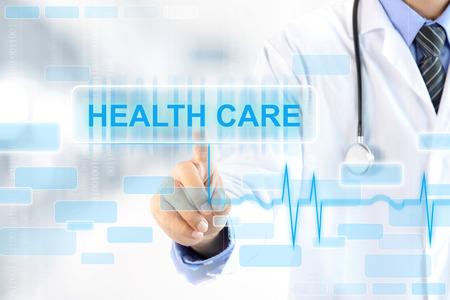 zdravotnictví: Doktor ruku dotykem ZDRAVOTNICTVÍ nápis na virtuální obrazovce