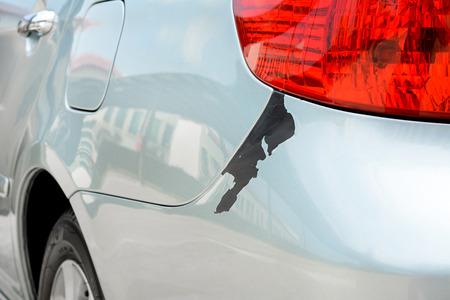 Autokleur peeling schade