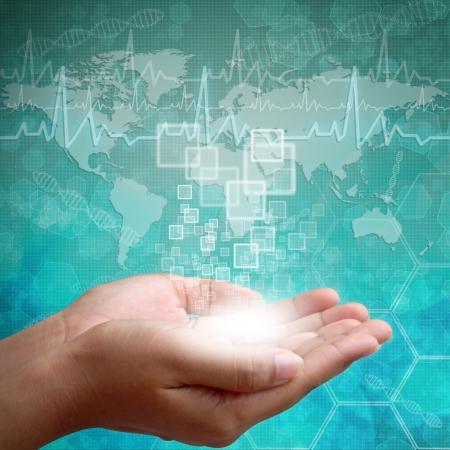 biotecnologia: Interfaz de la pantalla t�ctil en mano de la mujer, los antecedentes m�dicos