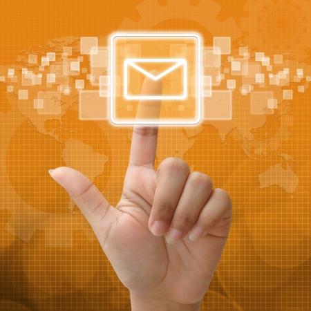 Dans email icon presse pour concept d'entreprise Banque d'images - 15917088