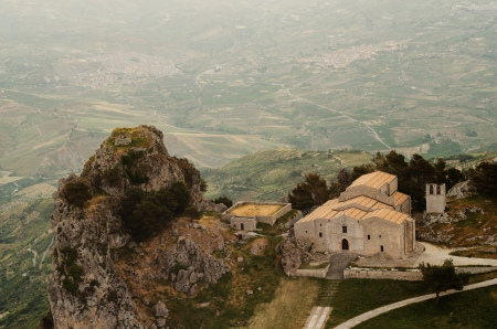 caltabellotta: Mountain town Caltabellotta  Sicily, Italy  in the morning  Church of San Salvatore