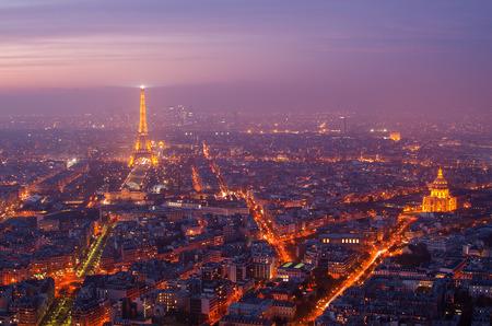 Vue aérienne de Paris (France) au coucher du soleil Banque d'images - 34133764
