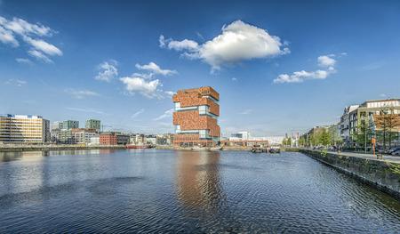 ANTWERPEN, BELGIÃ‹ - APRIL 13. 2017 Museum aan de Stroom MAS Redactioneel