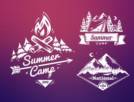 estate: Campo estivo e design parco nazionale tipografia su sfondo colorato Vettoriali
