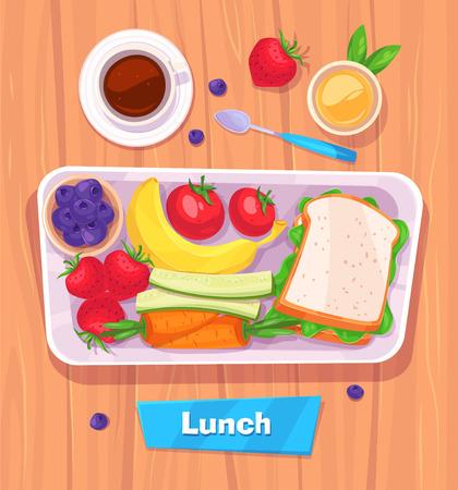 Gesundes Mittagessen mit Banane. Beeren, Sandwich, Kaffee und Saft. Blick von oben auf stilvolle Holztisch mit Kopie Raum.