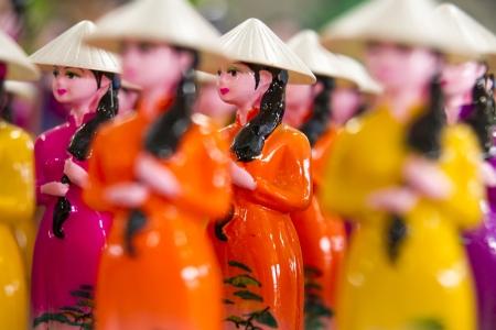 matryoshkas: Matryoshkas de la ni�a vietnamita Mundial en ao dai vestido