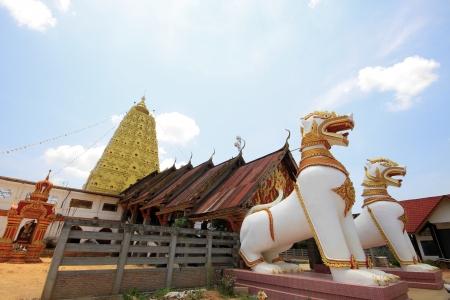 stu: Golden pagoda, Myanmar architecture in thailand