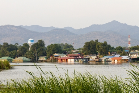 ponton: Floating hotel houses on Kwai river  Kanchanaburi, Thailand Stock Photo
