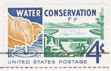 waterbesparing: Dit is een Vintage 1960 geannuleerd VS stempel Water instandhouding Stockfoto