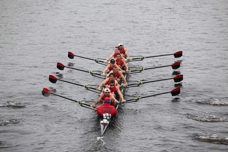 BOSTON - OCTOBER 23: Rutgers University races in the Head of Charles Regatta, Harvard University won with a with a time of 14:17 on October 23, 2011 in Boston, MA.  Redactioneel