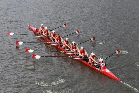 Cornell University races in the Head of Charles Regatta Women\ Redakční