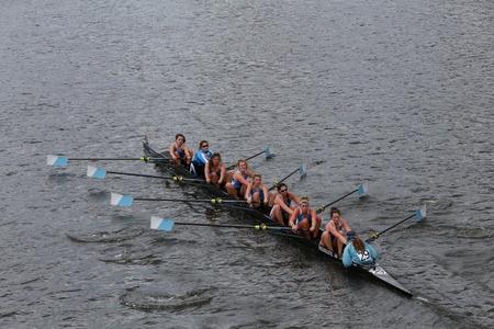 eights: Carreras de la Universidad de Columbia en la cabeza de Campeonato de Charles Regatta de las mujeres Ochos