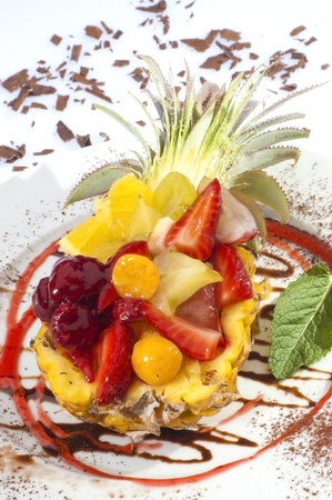 fruity salad: Pineapple filled by fruit salad