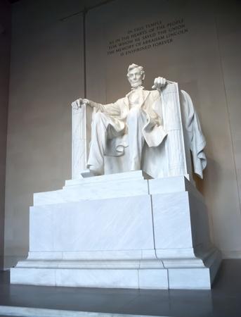 honest abe: Abraham lincoln monument in Washington D.C.
