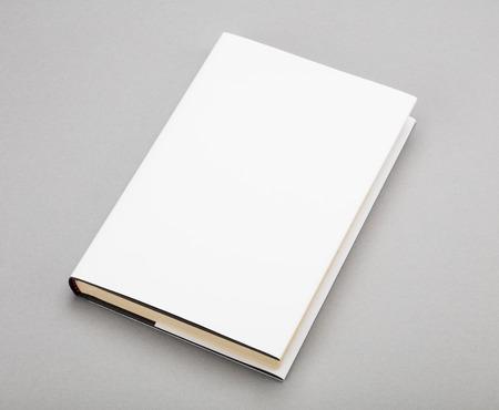 Libro en blanco con cubierta blanca  Foto de archivo - 46969887