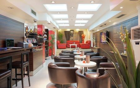 cafe bar: Interieur van een restaurant, modern design.