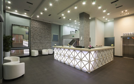 recepcion: Interior de una recepci�n del hotel, de estilo moderno. Foto de archivo