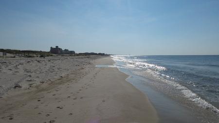 Beach stroll 版權商用圖片
