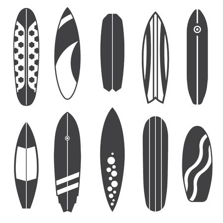 Décris la collection de planche de surf. Un ensemble de conception de base de surf varié. Tables et planches de surf. Différentes couleurs et styles. Icônes Surfdesks isolées sur fond blanc en noir et blanc.