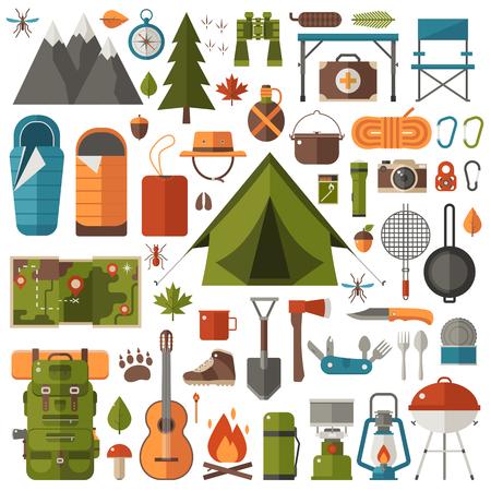 山ハイキングの要素。秋の林キャンプ セット。ハイキング用品ギア ベクトル アイコン コレクション。山、テント、ランタン。キャンプファイヤー