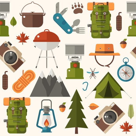 Hiking pattern with forest adventure and summer activity elements and icons. Picnic and camping seamless background with camp tent, barbecue and other tourist trip or expedition equipment in flat. Archivio Fotografico