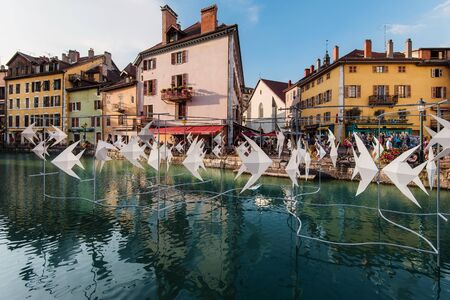 Annecy Paysages Festival Origami Fishes Installation View 에디토리얼
