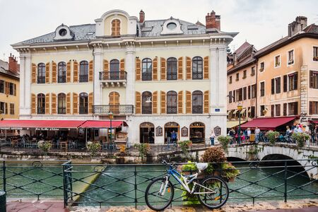 Annecy Old Town and Bicycle on Bridge 에디토리얼