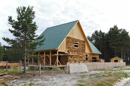 sloping: Under construction in the Siberian village of house