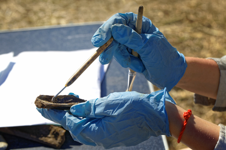 Archeology: brushing the medieval bone, the initial stage