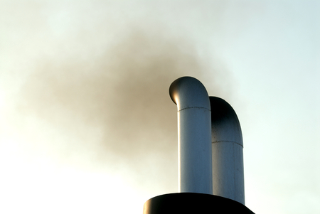 black smoke exhaust from ships Banque d'images