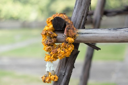 Wilt wreaths with incense