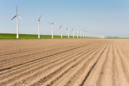 Nederlandse landbouw grond met wind molens