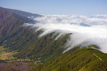 Waterval van wolken op La Palma Stockfoto - 5163923