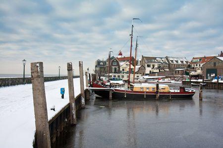 Haven van de Nederlandse visserij dorp, Urk, in de winter