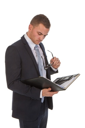 いくつかの文書を読んで忙しいビジネス男