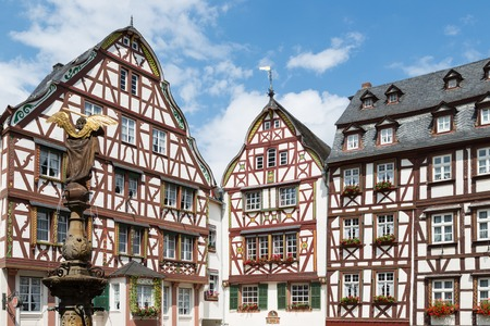moseltal: Medieval houses and statue in Bernkastel, Germany