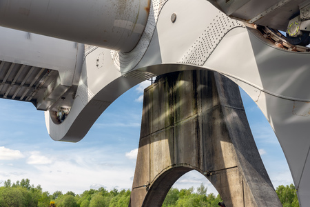 Detail Falkirk Wheel, rotating boat lift in Scotland which connects the Forth and Clyde Canal with the Union Canal. 스톡 콘텐츠