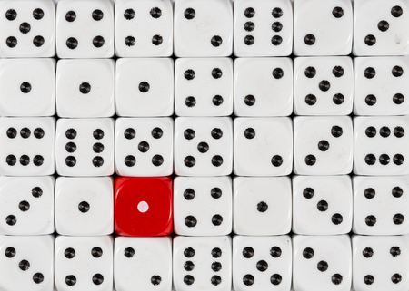Pattern background of random ordered white dices with one red cube Stok Fotoğraf - 121666329