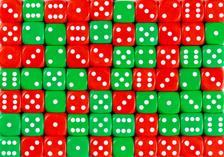 yellowPattern background of 70 random ordered red and green dices Stok Fotoğraf - 121666705