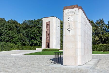 Hamm near Luxembourg city, Luxembourg - August 22, 2018: Memorial Monument at American WW2 Cemetery with names of 5073 buried soldiers Publikacyjne
