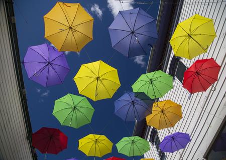 Weergave van kleurrijke paraplu's in Littleton, New Hampshire