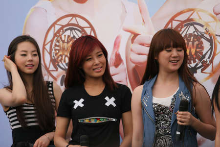 idols: Singapore, Plaza Singapura - June 17, 2010: Korean pop idols
