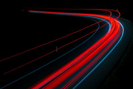 luci delle auto con la notte