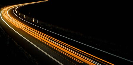 lights of cars with night. long exposure. Foto de archivo - 129909498