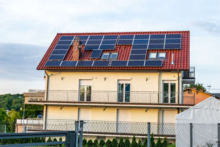solar panels on the roof of the house Standard-Bild