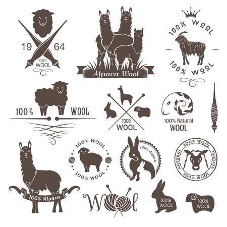 Wol etiketten, borden en design elementen. Logo set van schapen, alpaca, konijnen en geiten wol. Stickers en emblemen voor natuurlijke wol producten. Stock Illustratie