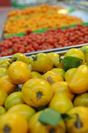 farme: Una variet� di frutta in un supermercato